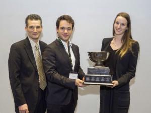 Marion Veillette/Maxime St-Onge (tandem appelant UdeM). Prix remis par Pr Patrick Mignault, Co-président du Concours Mignault 2016.
